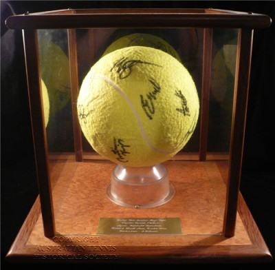 signed large tennis ball 2015 (7)